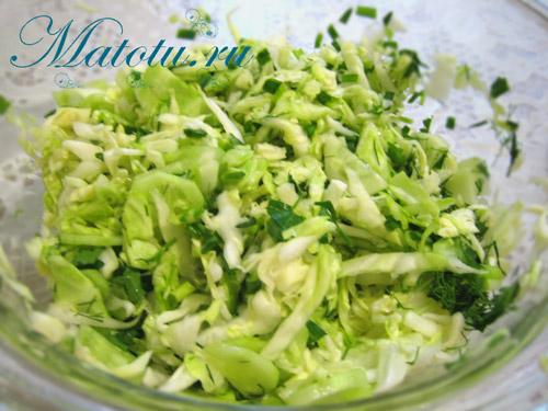 Салат из свежей капусты с огурцом